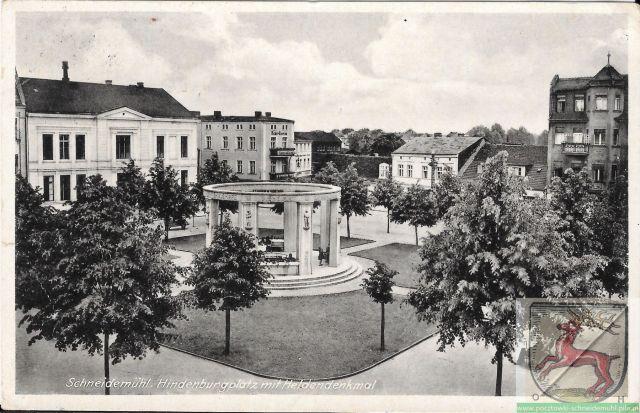Hindenburgplatz mit Hendeldenkmal 14/6/1942