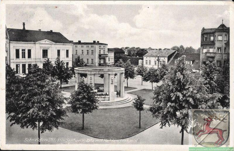 Hindenburgplatz mit Hendeldenkmal