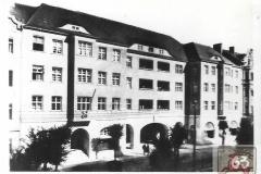 städt. Wohn-/Geschäftshaus v.d. Bismarckstr. Foto-Rassmann