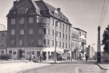 Róg ulic Śródmiejskiej i 1 Maja / pl. Konstytucji 3