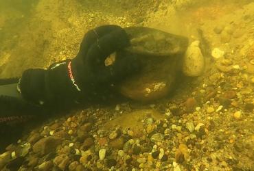 Kubek sprzed 2000 lat znaleziony na dnie Gwdy