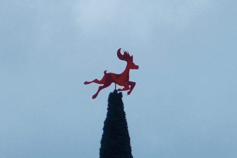 herb miasta Piła jeleń na choince